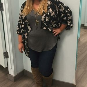 maurices black and white floral kimono